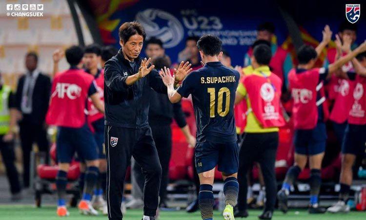 นิชิโนะ แจงเหตุเปลี่ยน 7 แข้ง ก่อนเสมอ อิรัก ลิ่ว 8 ทีมสุดท้าย