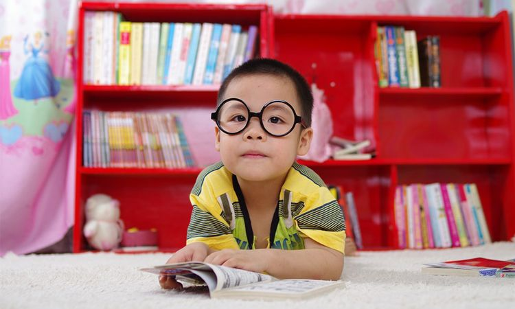"""เมื่อเด็ก """"รักการอ่าน"""" จะได้อะไรมากกว่าที่คิด"""